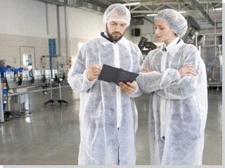 食品工場の制服で異物混入対策として毛髪は重要なものの1つですね